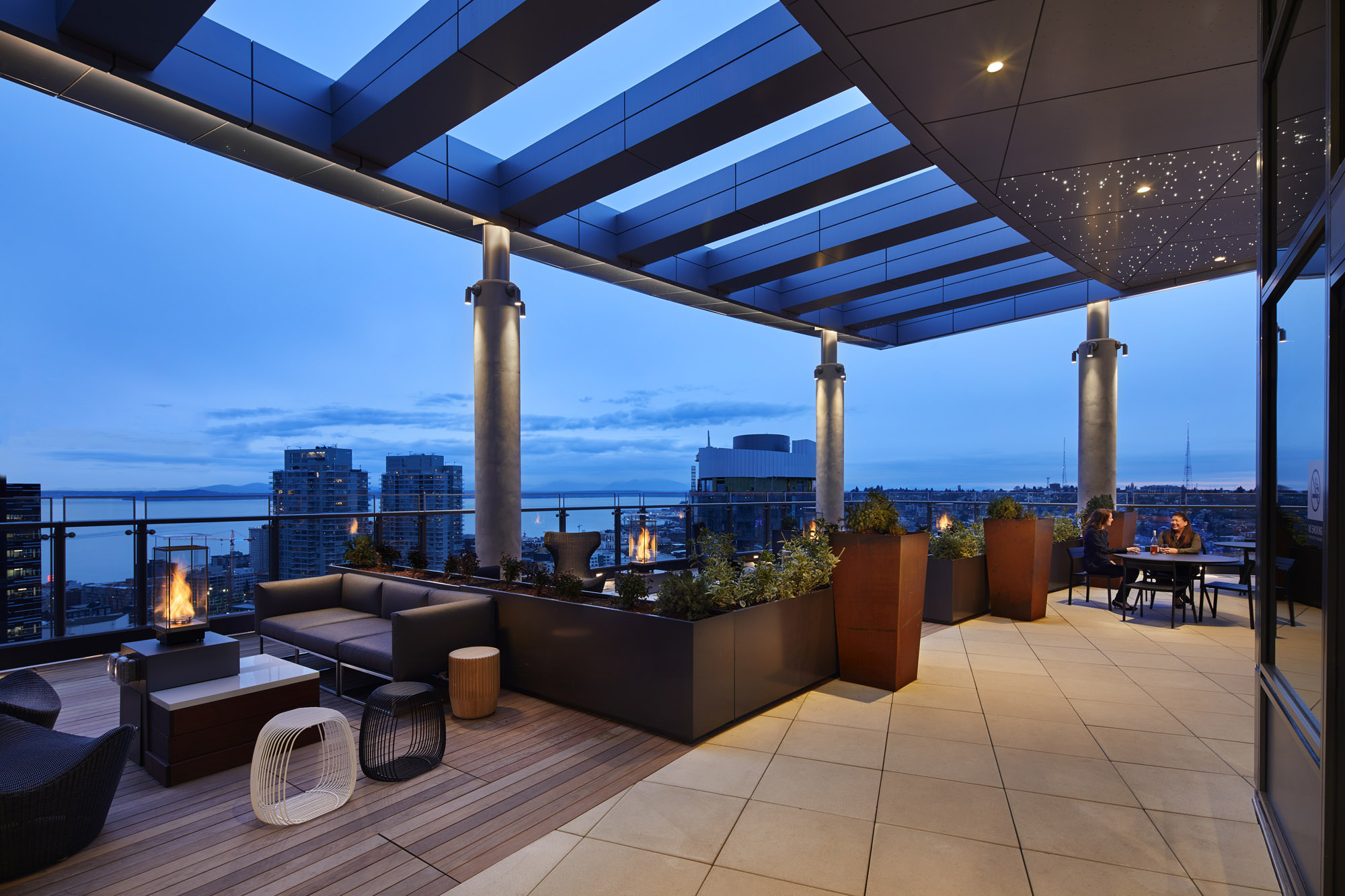 Stratus Roof Deck