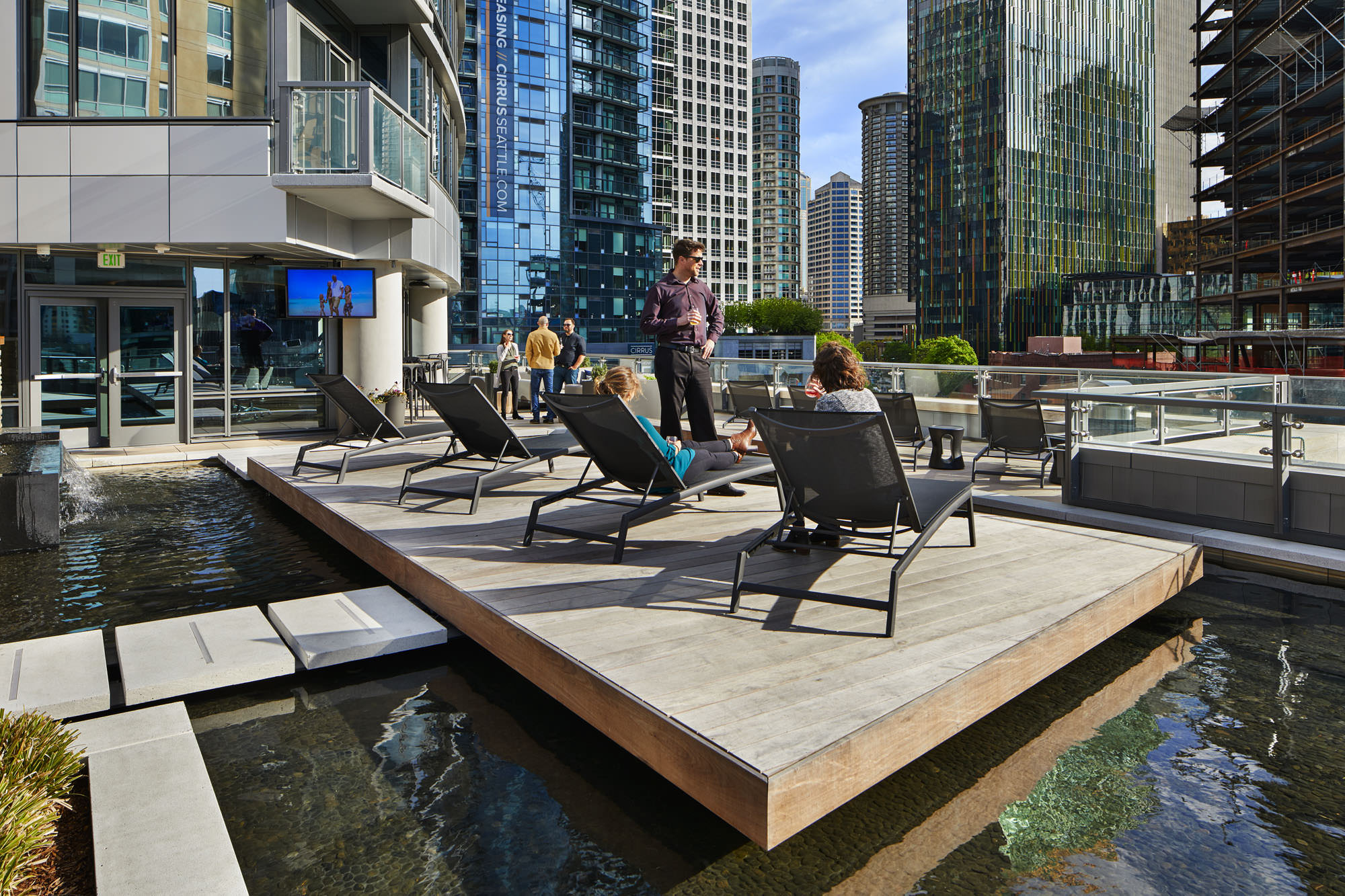 The L6 terrace at Stratus